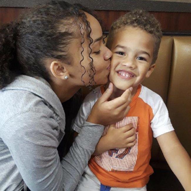 Babysitter in Elgin: Amiah