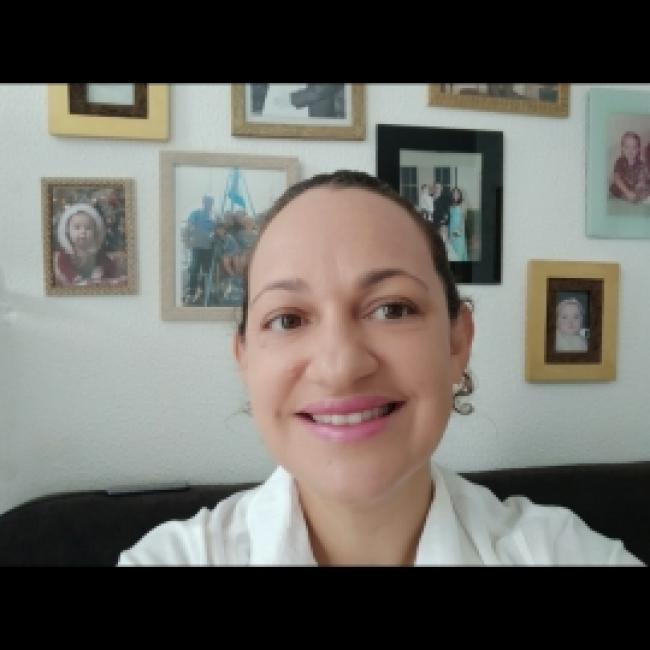 Babá em Balneário Camboriú: Beatriz Diniz