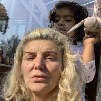 Babysitter Thornton Heath: Petronela