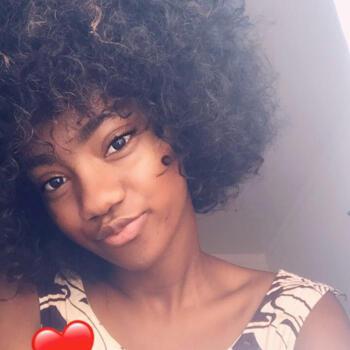 Babysitter Bragança: Tairine