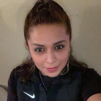 Babysitter in Santa Ana: Miriam
