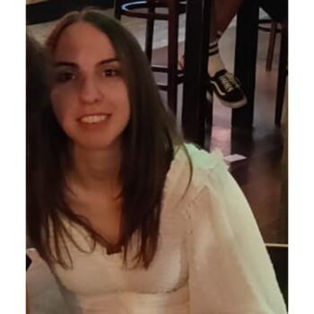 Babysitter Leicester: Lauren