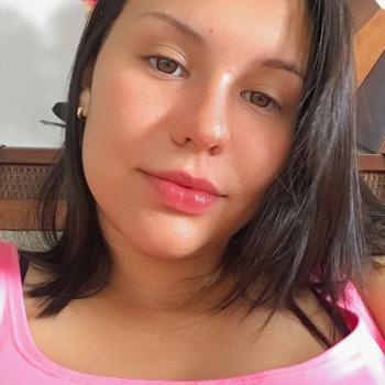 Babysitter in Contagem: Júlia