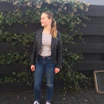 Babysitter Waarland: Rowena