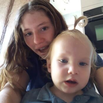 Babysitter in Mesa: Shayna