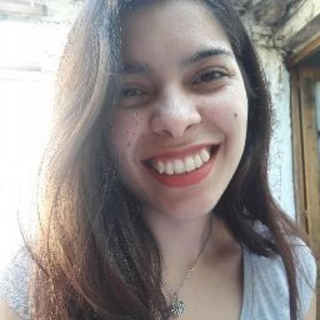 Niñera en Berisso: Carolina