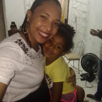 Babá em Salvador: Daniele