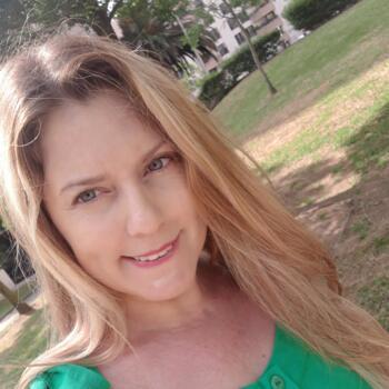 Babysitter in Almada: Luciana