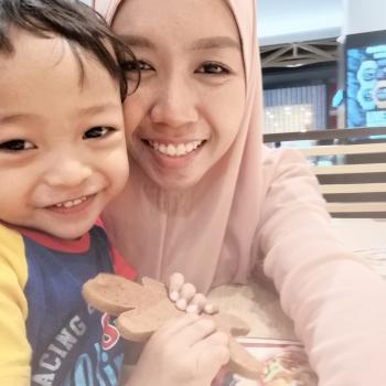 Babysitter Johor Bahru: Eyna