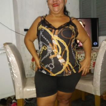 Babysitter in Santa Rita: Tatiane