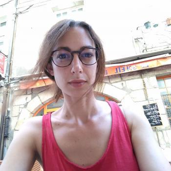 Baby-sitting Nantes: job de garde d'enfants Marine