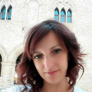 Genitore Pordenone: lavoro per babysitter Mara