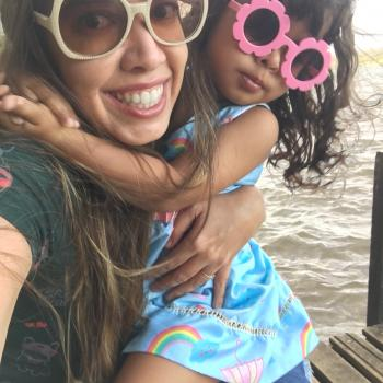 Emprego de babá em Brasília: Renata