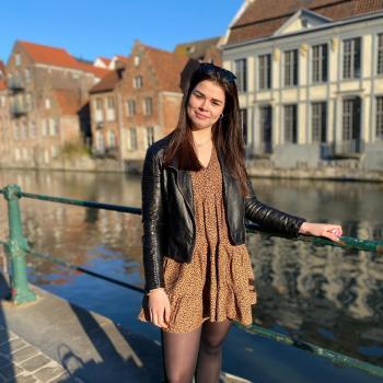 Babysitter in Bruges: Julie
