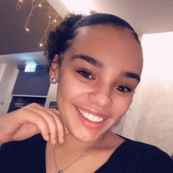 Babysitter in Differdange: Naomi