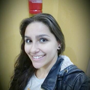 Babysitter in Ponta Grossa: Camila