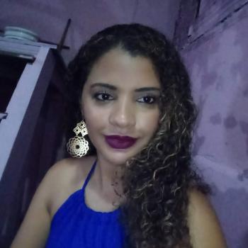 Babysitter Belém: Mônica