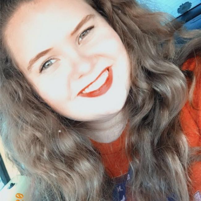 Babysitter in Palestine (Texas): Hannah