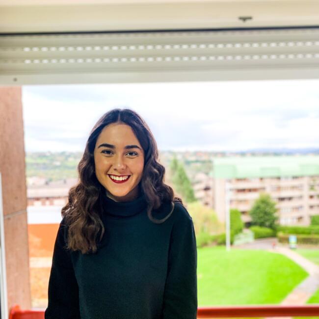 Niñera en Oviedo: Ángela