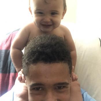 Baby-sitter Pickering: Giulius