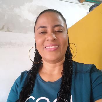 Niñera Bello: Aura cecilia