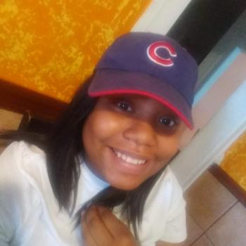 Babysitter Chicago: Kayla