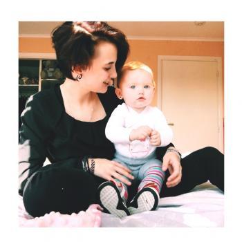 Babysitter Kuurne: Julie