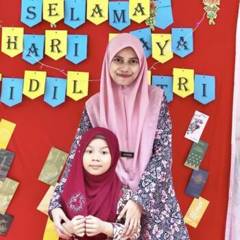 新加坡的保母: Afiqah Hanis