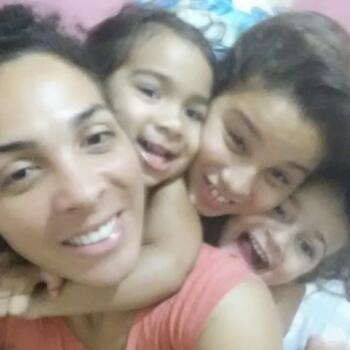 Babá em Campo Grande: Daniele