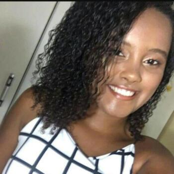 Babysitter Niterói: Débora