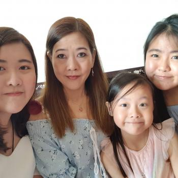 Babysitter Singapore: Liew