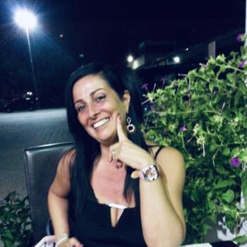 Babysitter Collesalvetti: Lina