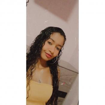 Babá Cariacica: Luana