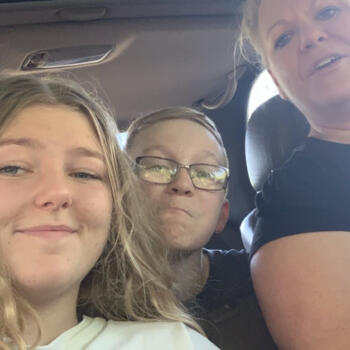 Babysitters in Mount Barker: Alaska