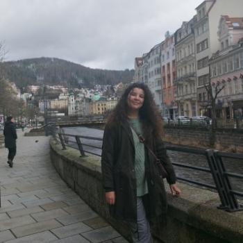 Canguro en Granada: Maryam