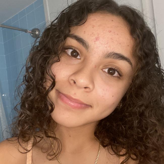 Babysitter in Miami Beach: Mariana