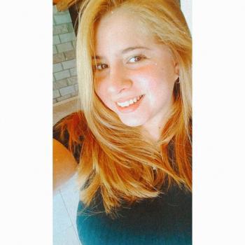 Niñera Ezpeleta: Leonela