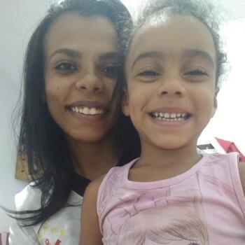 Babysitters in Vila Velha: Layssa