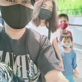 Babysitter in Singapore: Mai