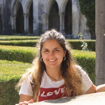 Babysitter in Vila Nova de Famalicão: Vera