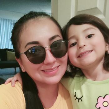 Babysitter in La Habra: Sharloth