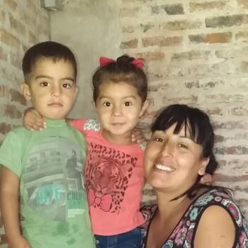 Niñera en Florencio Varela: Celia cristina