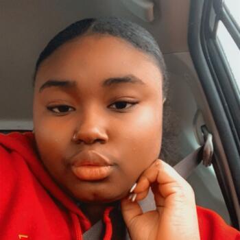 Babysitter in Takoma Park: Claudia