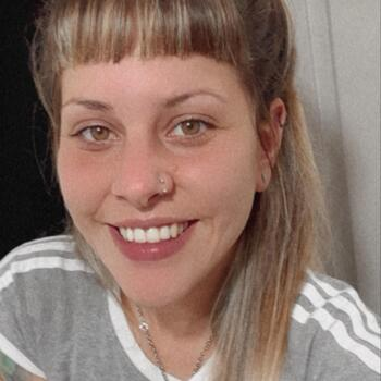 Niñera Moreno: Macarena