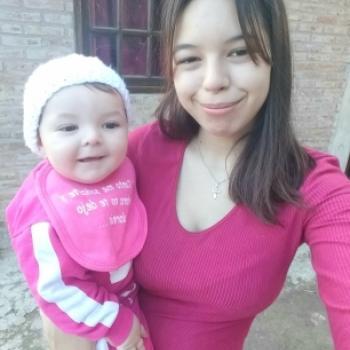 Babysitter in Villa Alsina: Zaira