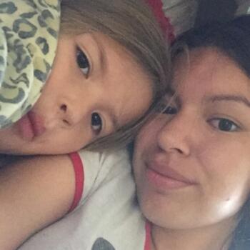 Baby-sitter in Saskatoon: Erica