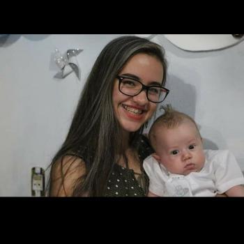 Babá Joinville: Nicole