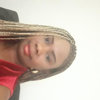 Babysitter in Aubange: Aline