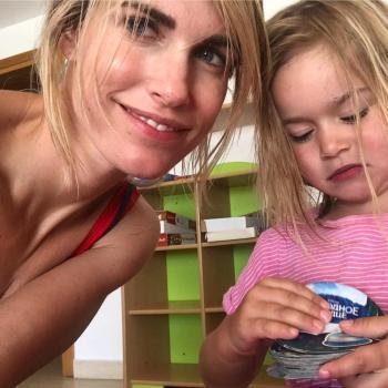 Babysitting job Laren: babysitting job Lisette