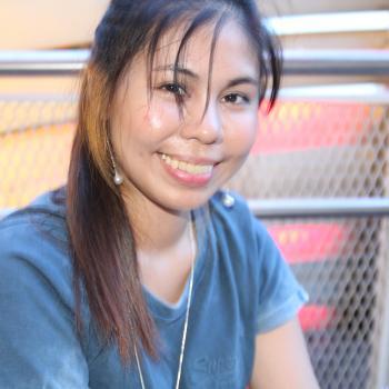 Babysitter Singapore: Maryjane